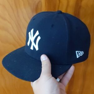 Mens New Era NY Yankees fitted hat